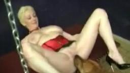 Dog sex семейные зоофилы устроили zoo секис с четвероногим другом