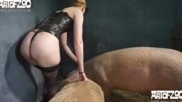 Он-лайн зоо порно свинья пердолит шлендру с пышной жопой